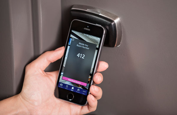starwood-hotel-room-keyless-entry-smartphone-app-bluetooth